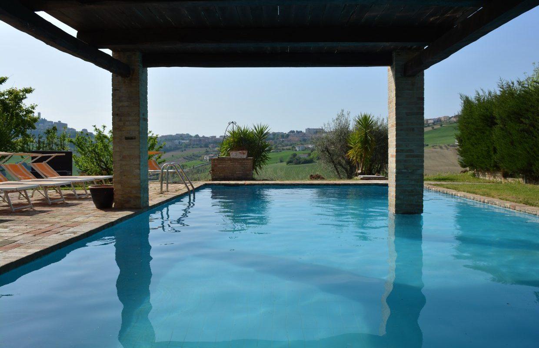 piscina-resort-rio-maggio-montegranaro